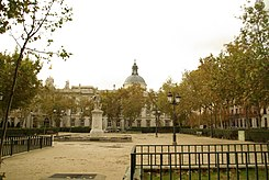 ® S.D. MADRID PLAZA DE LA VILLA DE PARIS - panoramio (13).jpg