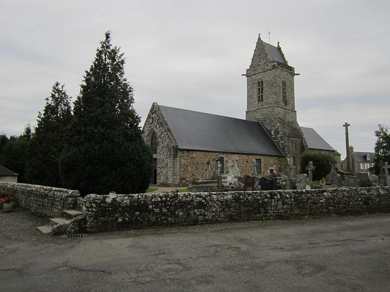Église romane (XIIe siècle) au clocher gothique de Saint-Aubin-des-Préaux, Manche