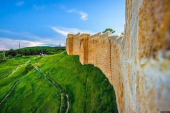 Стена цитадели Нарын-Кала. Дербент.jpg