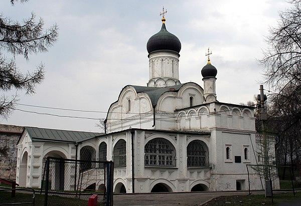 600px-Церковь_святой_Анны_в_Углу.jpg
