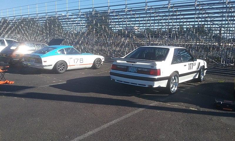 File:-177 Ford Mustang and -178 Datsun Z wait in paddock at PIR 2017-07-16.jpg