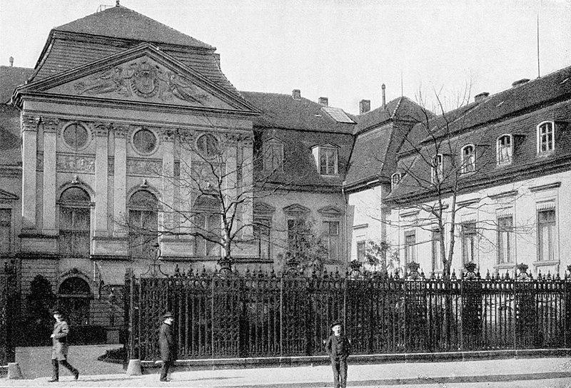800px-1895_reichskanzlerpalais.jpg