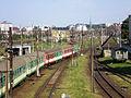 2007.06.08 - 007 Gdynia Stocznia, Gdynia Główna, EP07-435 prowadzi pociąg dokądś tam - Flickr - faxepl.jpg
