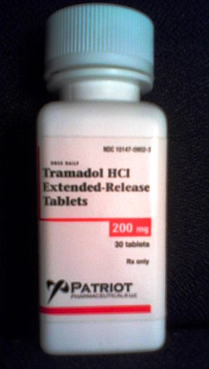 English: Bottle of 30 tablets of 200 mg extend...