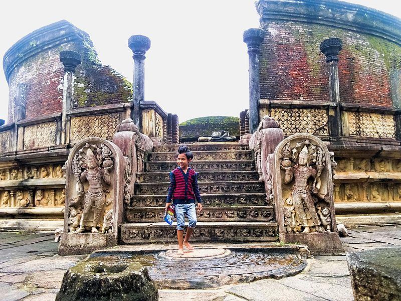 Bestand:20160124 Sri Lanka 3750 Polonnaruwa sRGB (25470146840).jpg