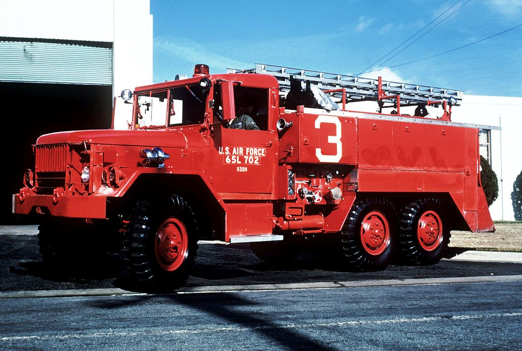 posatubi  pipelayer-posatubi 1024px-530B_structural_pumper_firefighting_vehicle