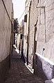 ASC Leiden - van Achterberg Collection - 13 - 24 - Une ruelle entre des maisons roses - Ghardaïa, Mzab, Algérie - Avril-mai 1981.jpg