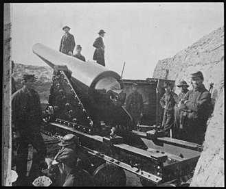 Parrott rifle - A 200-pound Parrott rifle on Morris Island, South Carolina, 1865