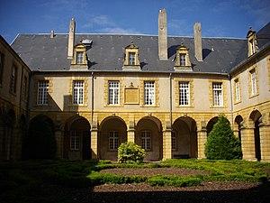 Abbey of Saint-Arnould - Abbey of Saint-Arnould