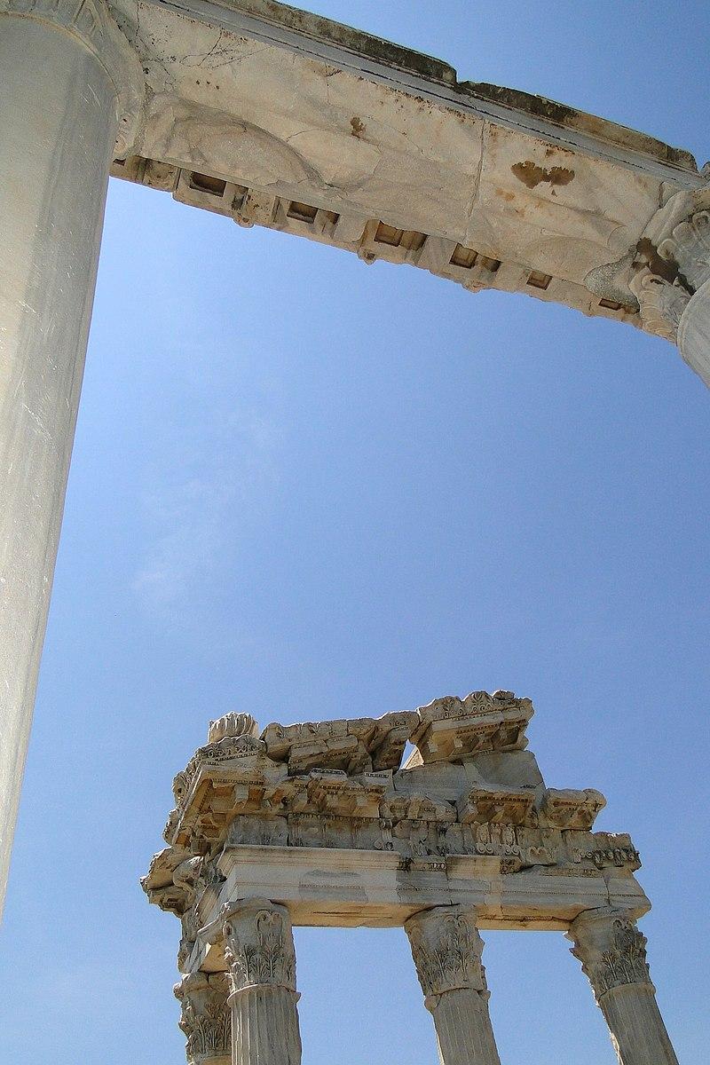 Acropolis - Bergama (Pergamon) - Turkey - 04 (5747168893).jpg