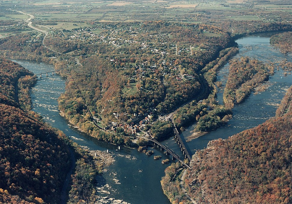 Aerial Photo of Harpers Ferry (15646790473)