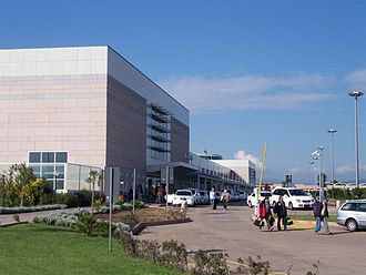 Olbia Costa Smeralda Airport - Image: Aeroporto Olbia Costa Smeralda Taxistand