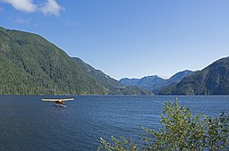 Air Nootka floatplane in Muchalat Inlet 3.jpg