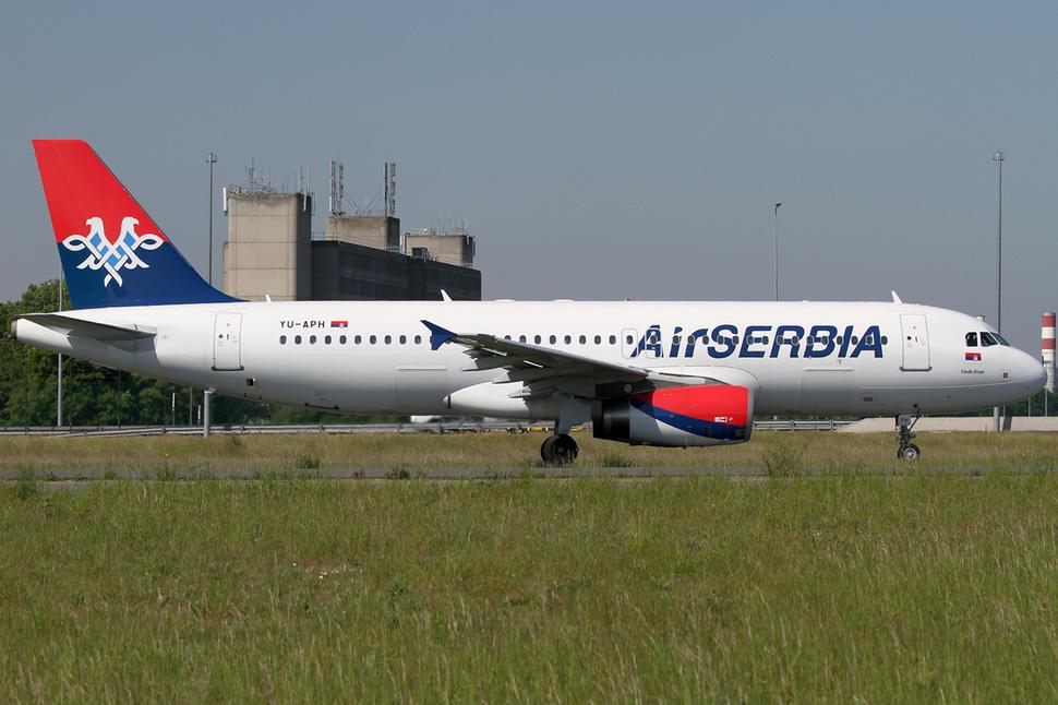Air Serbia A320-200 YU-APH CDG 2014-05-17