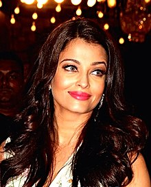 Aishwarya at 2015 Stardust Awards.jpg