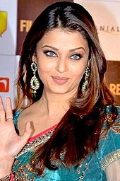 Aishwarya rai abhishek age difference dating 8
