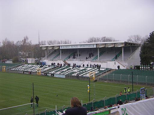 Alfred-Kunze-Sportpark tribune