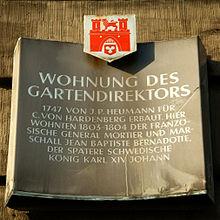 Informationstafel über Mortiers Aufenthalt am Hardenbergschen Haus (Quelle: Wikimedia)