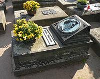 Anselm Feuerbach grave.jpg