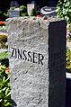 Architekt Ernst Zinsser 26.6.1904-16.12.1985, Ursula Erdmanns-Dörfer 2.2.1911-25.12.2000, Grabstele auf dem Friedhof der Jakobikirchengemeinde in Hannover-Kirchrode.jpg
