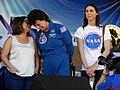 Astronauta Marcos Pontes discursando e a tradutora falando para a Astronauta Ellen Baker, convidada para o evento, Domingo com o Astronauta, evento comemorativo dos 10 anos do primeiro brasileiro no espaço - panoramio (1).jpg