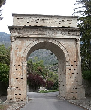 Arch of Augustus, in Susa, Piedmont, Italy. It was constructed in the years 8 to 9 BC in Segusio (ancient Susa) Augustan Arch, Susa.JPG