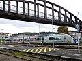 Autorail X 72611 et passerelle, gare de Périgueux.jpg