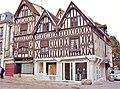 Auxerre. Maisons de la vieille ville.jpg