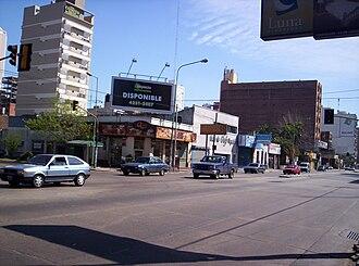 Lomas de Zamora - Image: Avenida Hipólito Yrigoyen y Colombres, Lomas de Zamora