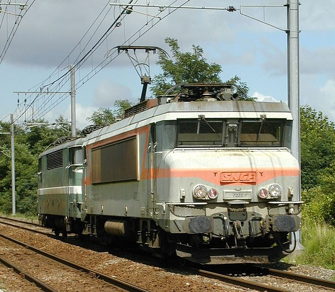 Locomotive BB 72222 near Bayonne (France)