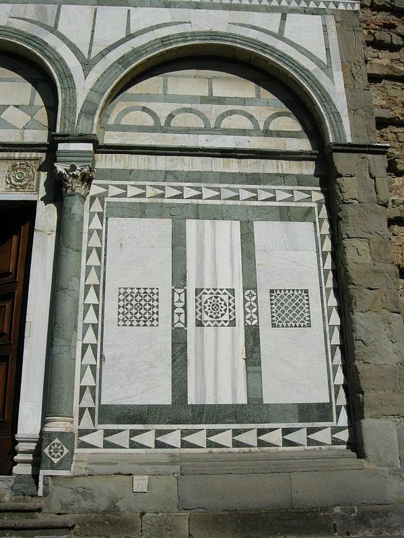 Facciata della Badia Fiesolana (dettaglio), Località San Domenico, Fiesole