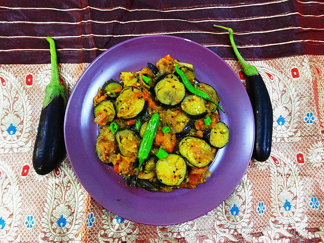 Cuisine of Karachi: Baingan Patiala (Stir Fried Brinajl ...