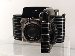 Bantam Special Camera, designed by William Dorwin Teague, Eastman Kodak Company, 1936, enamel-coated metal, glass - Museum für Angewandte Kunst Köln - Cologne, Germany - DSC09506.jpg