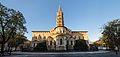 Basilique Saint-Sernin de Toulouse au petit matin 2.jpg