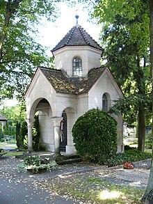 Die Grabanlage auf dem Bayreuther Stadtfriedhof[117] (Quelle: Wikimedia)