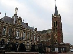 Beaucamps-le-Vieux Hôtel-de-ville et église 1.jpg