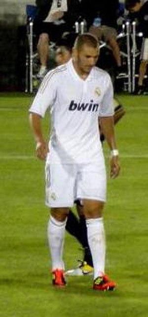 2011–12 Real Madrid C.F. season - Image: Benzema vs LA Galaxy