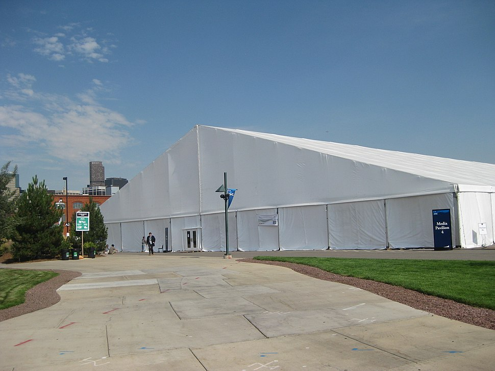 Big media tent, outside view (2794305804)