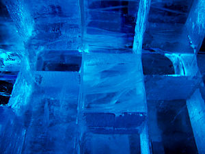 English: Wall of Ice taken in an ice bar in St...