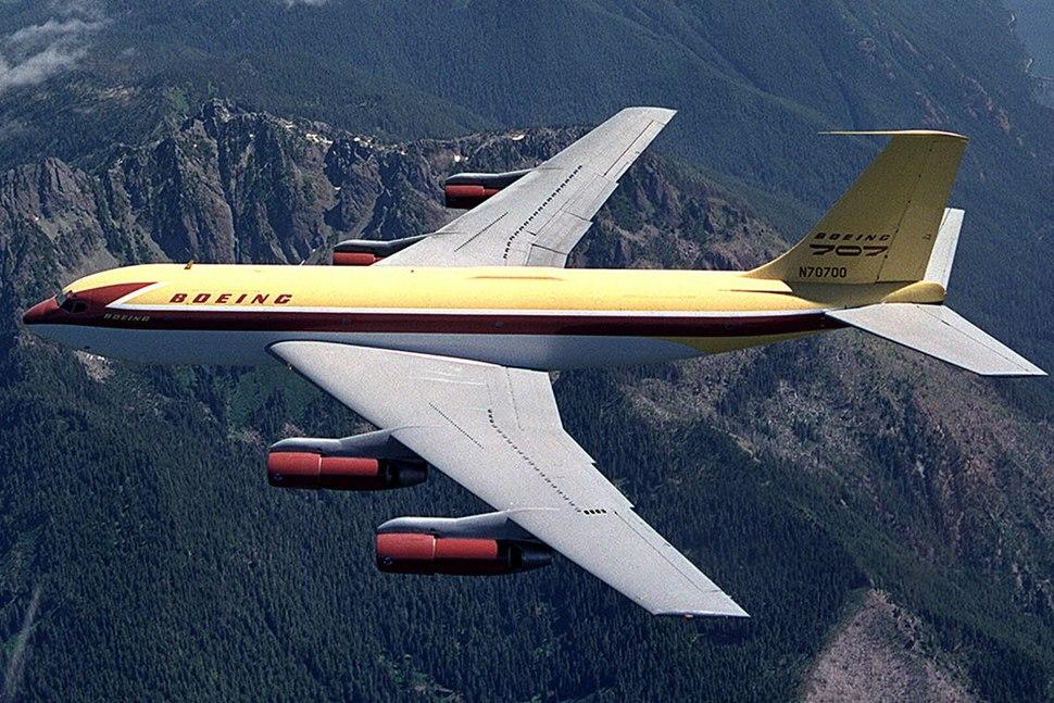 Boeing 367-80 in flight