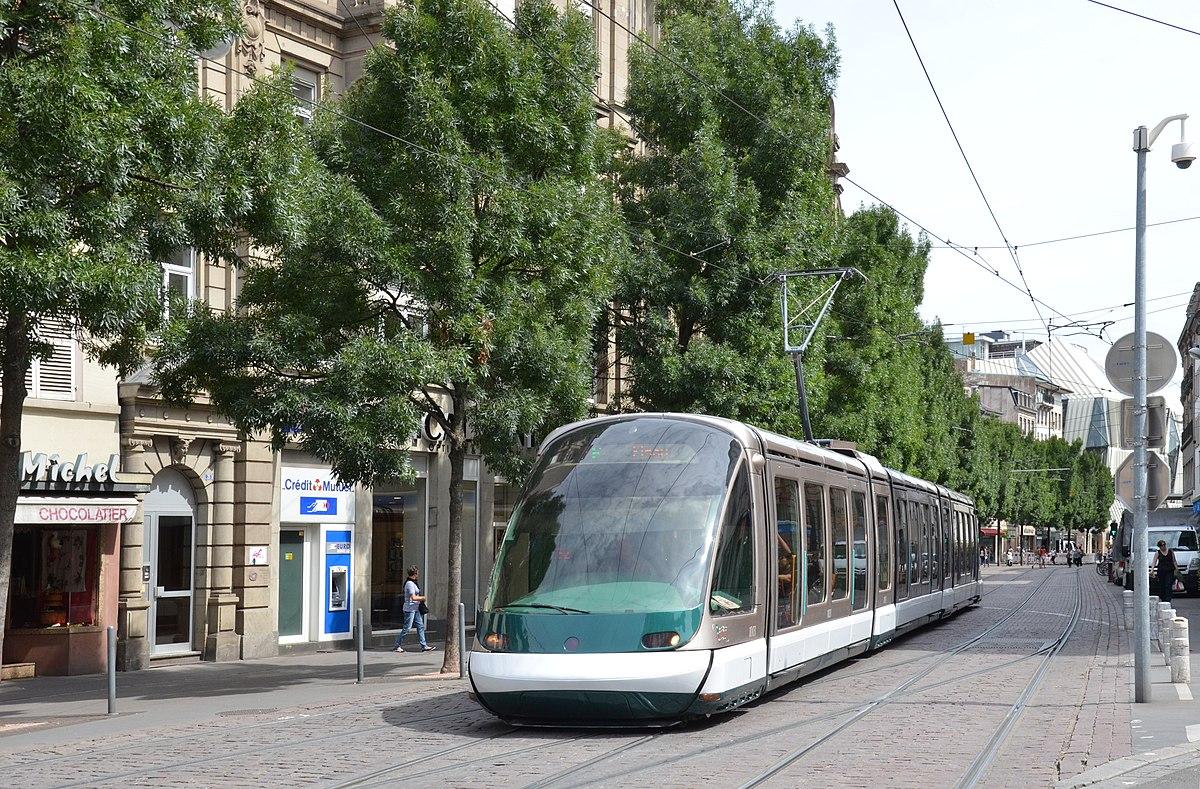 Place De L H Ef Bf Bdtel De Ville Amiens