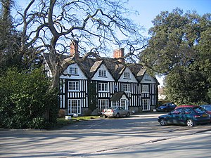 Broom, Warwickshire - Image: Broom Hall Inn geograph.org.uk 134362