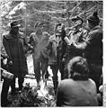 Bundesarchiv Bild 183-D1119-0004-002, Wernigerode, Forstarbeiter, Pause.jpg