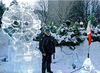 Ice sculpture - Mexican sculptor Abel Ramírez Águilar and a Chac Mool ice sculpture