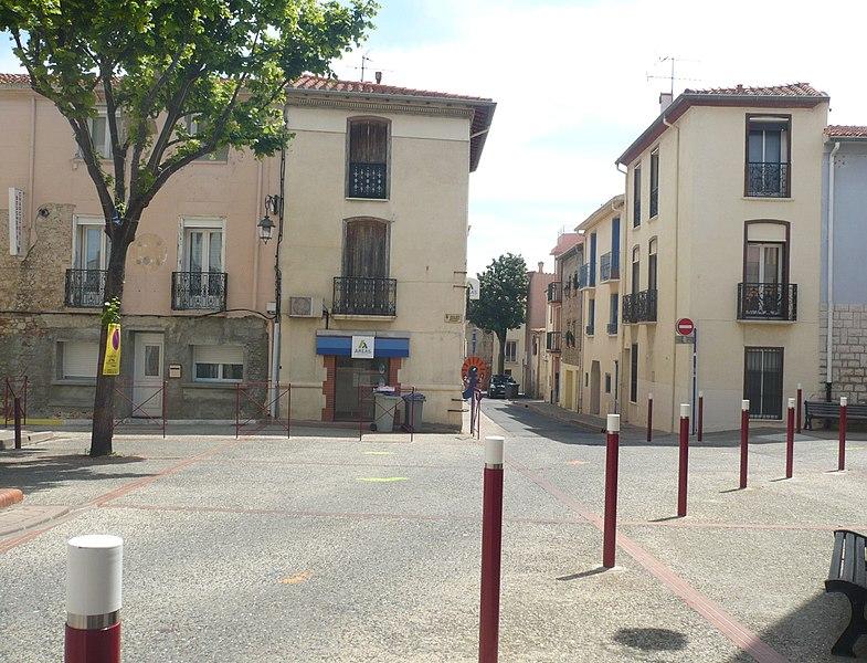Place de la Révolution française à Cabestany