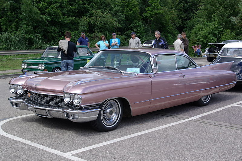 800px-Cadillac_Coupe_deVille_BW_1.JPG