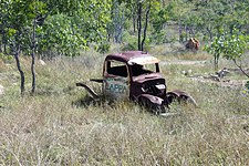 Carwreck in the outback.jpg