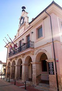 Casa consistorial de Cabezuela.jpg