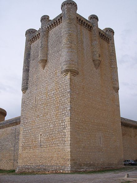 The taking of the Castle of Torrelobaton, built in the 13th century, provided a much-needed victory for the comuneros. The castle was renovated in 2007 and is now a tourist site. Castillo de Torrelobaton (torre del homenaje).jpg