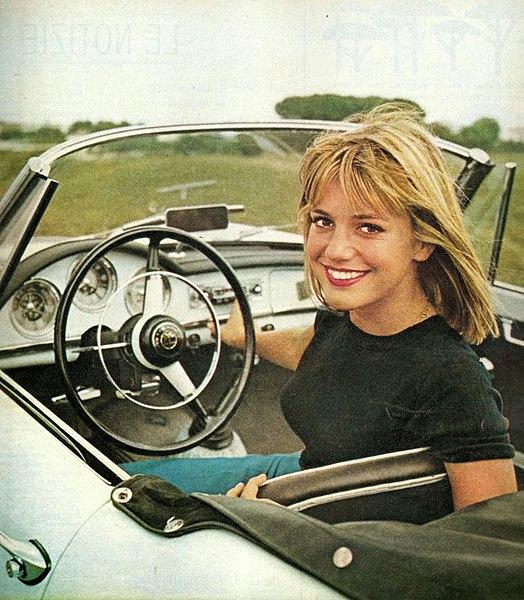 File:Catherine Spaak, 1962.jpg